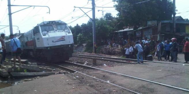 Lintasan Rel Kereta Bintaro